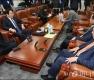 '국회파행' 한자리 모인 4당 원내수석