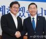 김상곤 부총리, 우원식 원내대표 예방