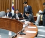 한국당 불참 속 김명수 청문보고서 채택