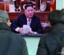 김정은 신년사 발표 뉴스 시청하는 시민들