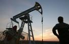 국제유가, '美 원유생산증가+OPEC 감산연장 불확실성'에 하락