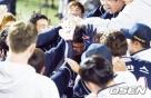 '7회 대역전' 두산 6연승, LG 제치고 3위 등극