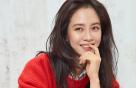 송지효의 '셔츠' 매치 아이템은?…니트 vs 청바지