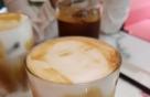 설현 라테·엑소 쉐이크..음료 마시면 로열티가?
