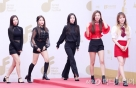 """레드벨벳의 올 가을 컬러는…""""블랙 vs 레드?"""""""