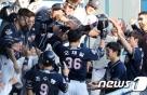 두산, NC누르고 3년연속 KS진출…오재일 '4홈런·9타점'