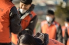 한국타이어 신입사원, 연탄나르기 봉사로 '첫 발'