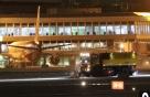 제주공항 폭설 지속…체류객에 빵·매트리스 지급
