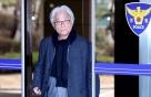 '성폭력 혐의' 이윤택, 피해자 4명 추가 고소