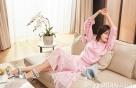 빅토리아 x 지미추, 싱그러운 핑크룩…여성미 '뿜뿜'