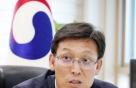 면세점 특허 권한 내려놓고 기업 해외진출 돕는 김영문 관세청장