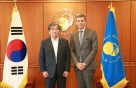 윤석헌 금감원장, UNEP FI 대표와 지속가능금융 논의