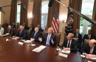 EU와 무역협상 앞둔 트럼프, 또 車 관세 거론