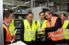 LG전자, ZKW 인수 1년…세계 최초 '파노라마 헤드램프' 만든다