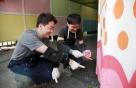 HDC현대산업개발, 남영역 지하보도 벽화그리기 봉사활동