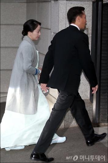 [사진]아산 16주기 참석하는 정대선-노현정 부부
