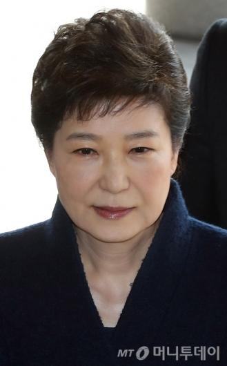 [사진]검찰 소환되는 박 전 대통령