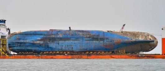 [포토is…] 침몰 3년 만에 전체 모습 드러낸 '세월호'