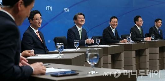[사진]안철수 후보, '웃음 가득'