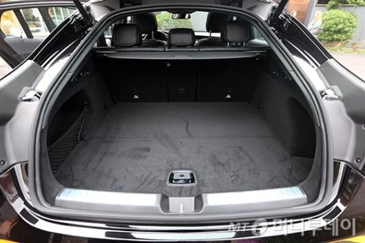 [사진]'더 뉴 GLC 쿠페'의 트렁크 공간
