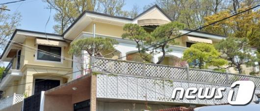 [사진]'박근혜 전 대통령이 내곡동에 마련한 집은?