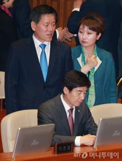 [사진]대화하는 주승용-이언주 의원
