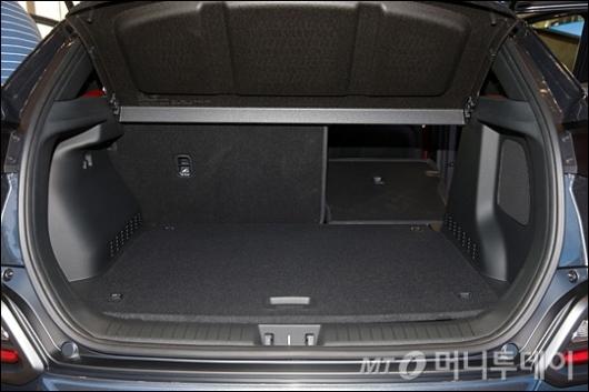 [사진]실용성 좋은 '코나' 트렁크