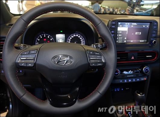 [사진]운전자 편의성 갖춘 소형 SUV '코나'