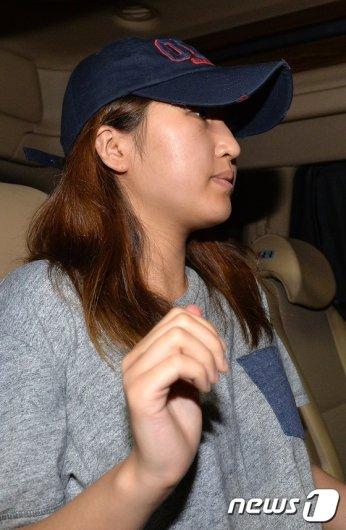 [사진]조사마친 정유라 '조용히 귀가'