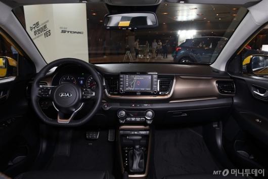 [사진]소형 SUV '스토닉'의 실내