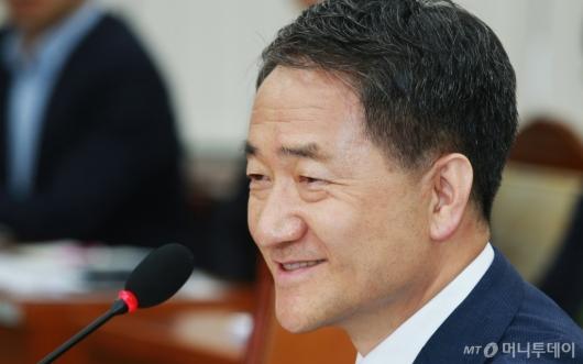 [사진]미소짓는 박능후 복지부장관 후보자
