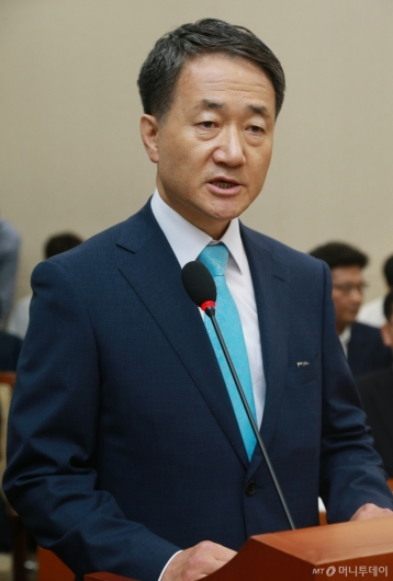 [사진]모두발언하는 박능후 복지부장관 후보자