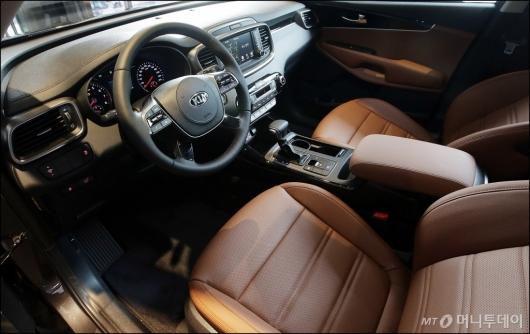 [사진]더 뉴 쏘렌토, '앉고 싶은 운전석'