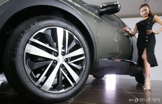 [사진]뉴 푸조 3008 SUV GT, 역동적인 19인치 알로이 휠