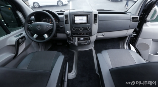 [사진]넓은 운전석 자랑하는 스프린터 유로스타