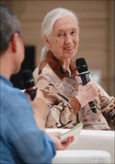 [사진]에코토크 나선 '침팬지 할머니' 제인 구달 박사