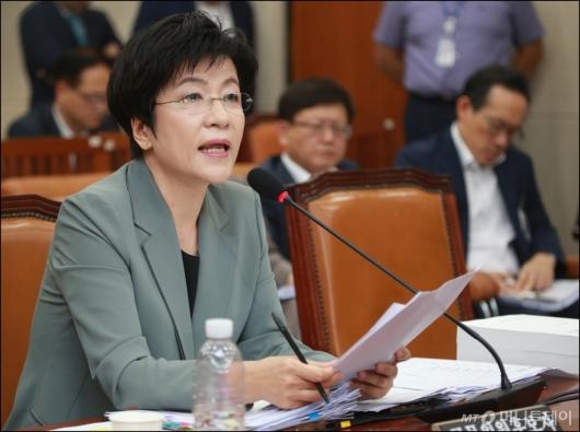 [사진]김영주 고용부장관 후보자 '탈루 의혹 송구'