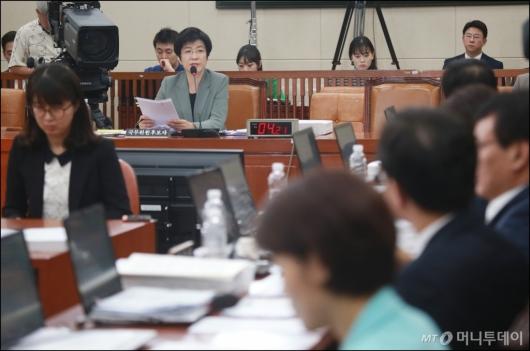 [사진]김영주 고용노동부 장관 후보자 인사청문회