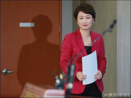 [사진]당권 도전하는 이언주 원내수석