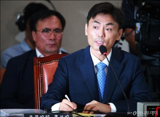 [사진]검증대 오른 박성진 중소벤처부 장관 후보자