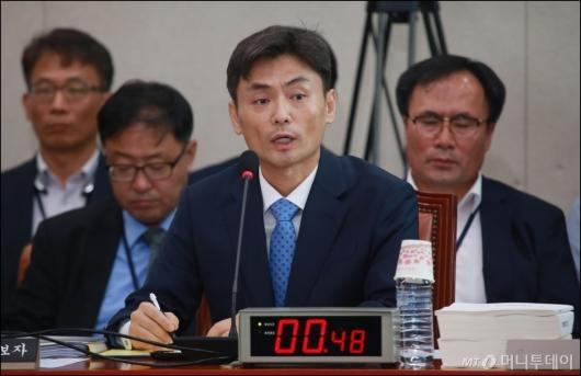 [사진]답변하는 박성진 장관 후보자