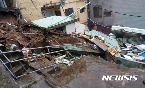 [사진]집중호우에 주택 붕괴