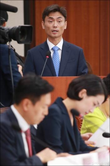 [사진]모두발언하는 박성진 중기벤처부 장관 후보자