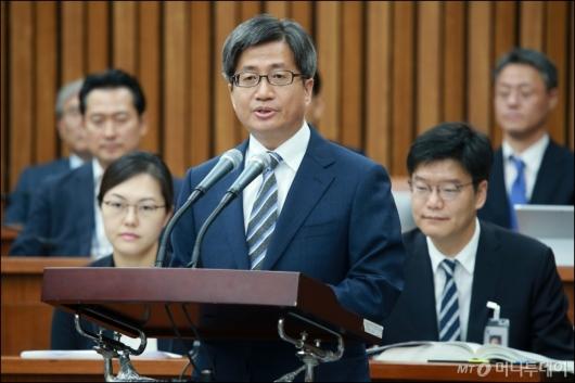[사진]모두발언하는 김명수 대법원장 후보자