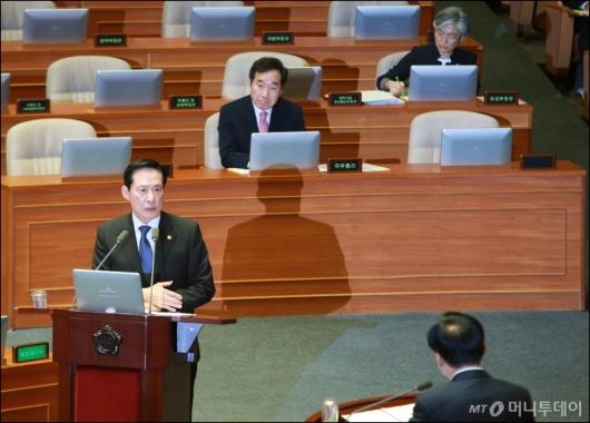[사진]'국방·외교·통일' 국회 대정부질의
