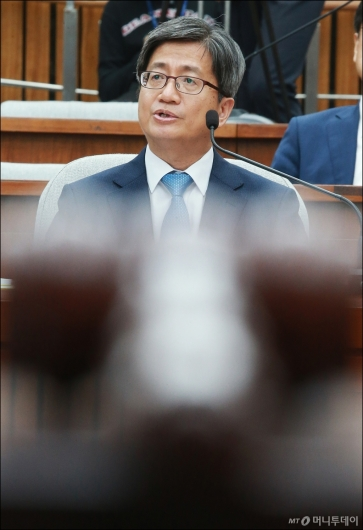 [사진]이틀째 검증대 오른 김명수 대법원장 후보자