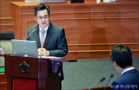 [사진]대정부질의 나선 김동연 경제부총리