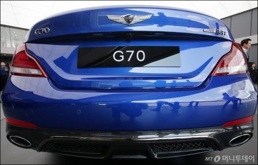 [사진]제네시스 G70, '깔끔한 뒤태'