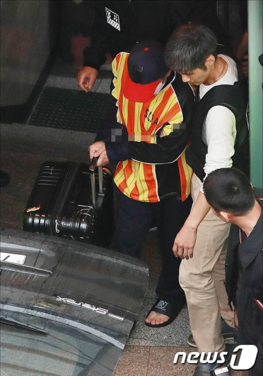[사진]시신 유기 재연하는 '어금니 아빠'