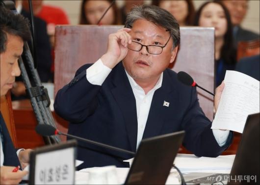 [사진]조원진, 손석희 JTBC 사장 증인 채택 요구